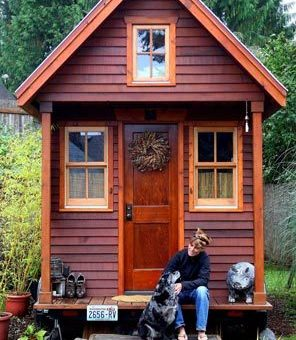 Dee Williams tiny House. Image courtesy of www.thislittlelife.com