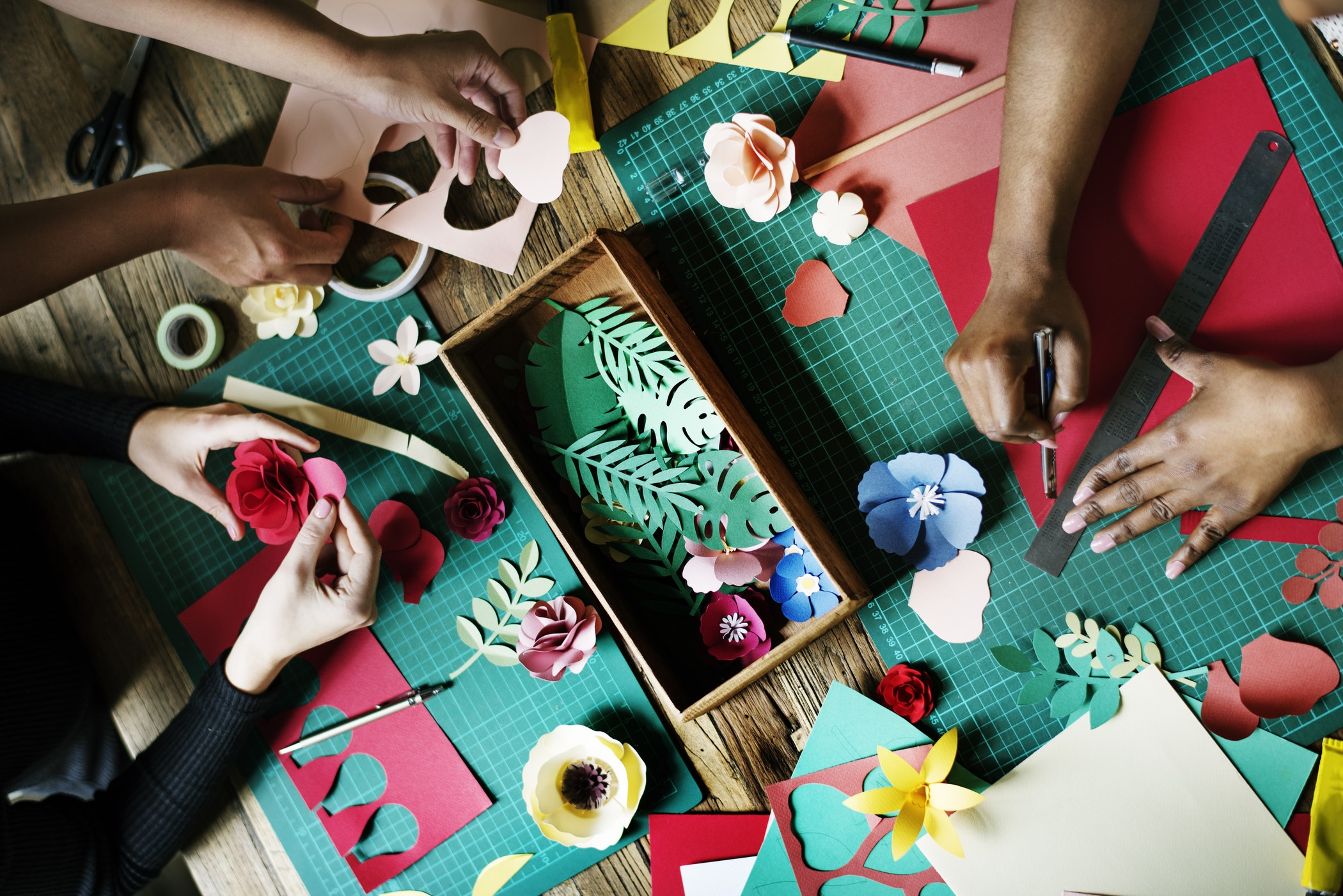 Earn Some Cash With Easy Christmas Crafts To Make And Sell For Profit Critical Financial Critical Financial